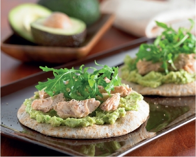 Avocado guacamole & salmon pizzas